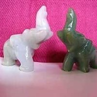 Glücks - Elefant aus Jade 39x42 mm, Tierfigur