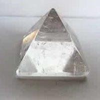 Edelstein-Pyramide Bergkristall, 30 x 30 mm