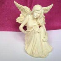 Engefigur sitzend mit Schmetterling, 9,0 cm, AngelStar
