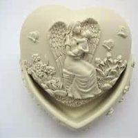 Schmuckdose mit Deckel und Engelmutti, Baby, Herzform