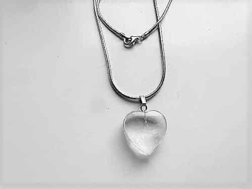Bergkristall Herz Anhänger 20mm mit Halskette 45cm