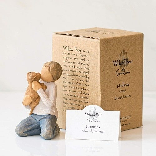 Junge mit Hund Willow Tree Kindness Boy in Box mit Kärtchen