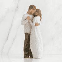 Willow Tree Figur umarmendes Liebespaar, Promise, 23 cm, in Box mit Kärtchen
