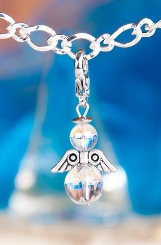 Kettenanhänger Engel Charm Bergkristall mit Karabiner 5 cm x 2 cm, Lichtbringer, Klarheit, Schmuck