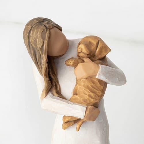 Willow Tree Figur golden dog Frau mit Hundewelpe auf dem Arm, 19,5 cm, von Susan Lordi 'adorable you' in Geschenkbox mit Kärtchen und Spruch