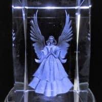 Kristall-Laserblöcke 3D mit betendem Engel, 5x5x8 cm
