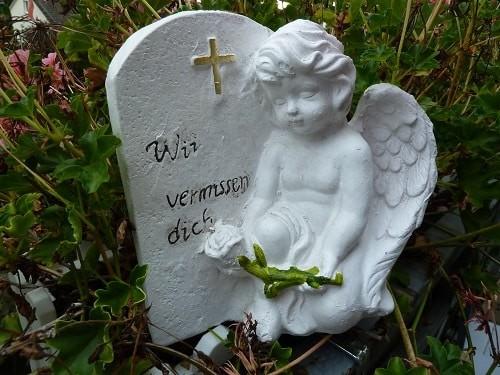 Grabengel aus Stein und Spruch -Wir vermissen dich - wetterfest, 20 cm